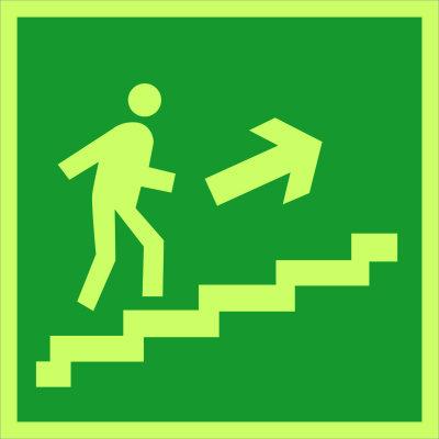 Направление к эвакуационному выходу по лестнице вверх (направо) E15
